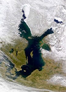 BalticSea_March2000_NASA-S2000084115409_md